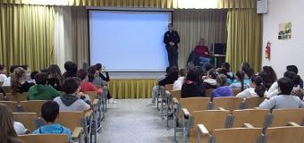 Acoso escolar, drogas y redes sociales, a debate en el IES Vega de Mar