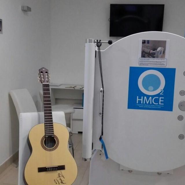 Guitarra cedida por Alejandro Sanz para mejorar la calidad de vida de Yeray.