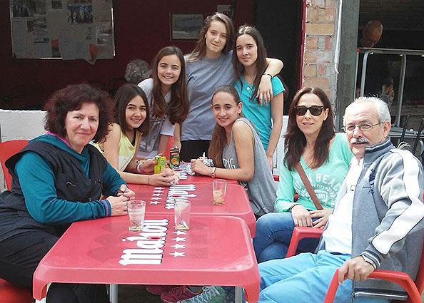 Profesores del IES Vega de Mar y alumnos participantes en el Cross Escolar.