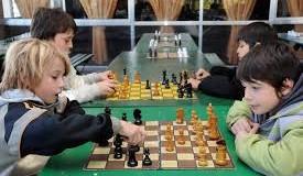 El ajedrez en la escuela unifica al Parlamento