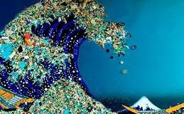 Los mares: grandes contenedores de plástico