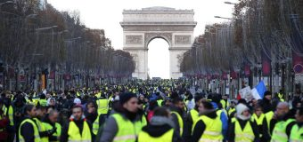 Francia aplaza la subida de los impuestos a los carburantes durante 6 meses