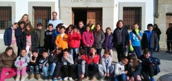 VISITA AL AYUNTAMIENTO DE ALCARACEJOS POR EL ALUMNADO DE 2º Y 3º CICLO